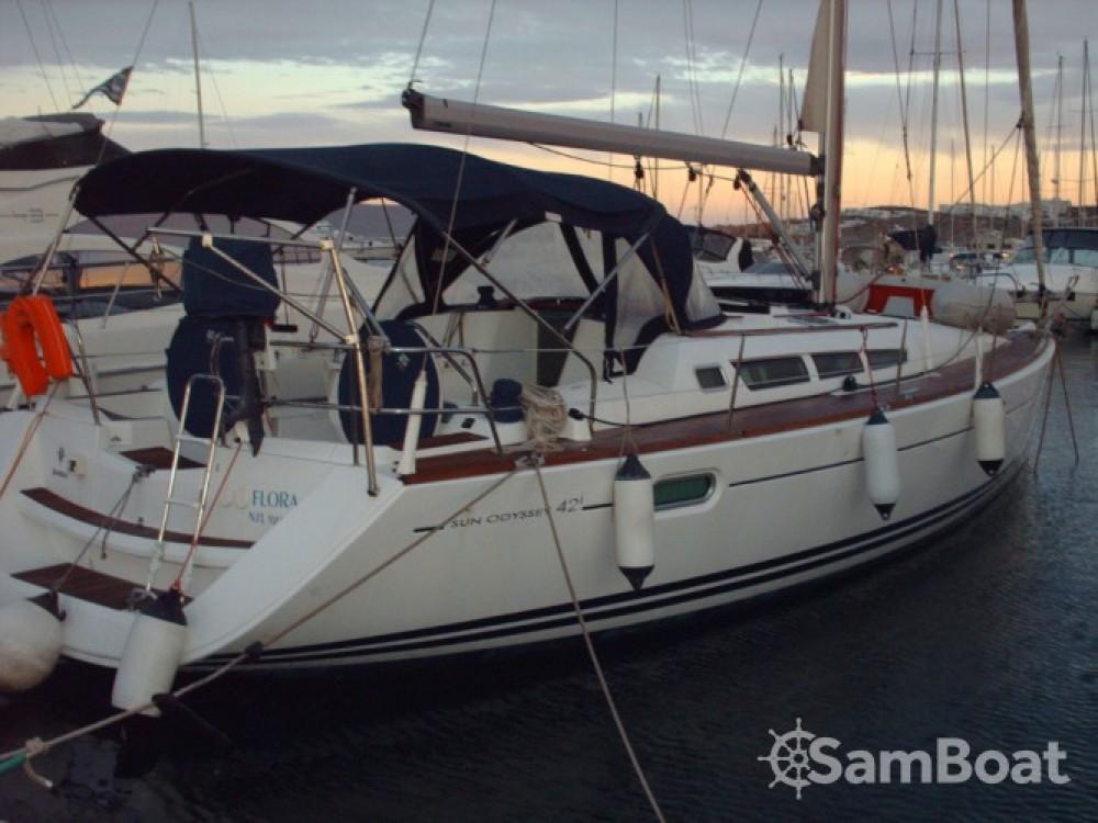 Jeanneau Sun Odyssey 42i entre particuliers et professionnel à Lávrio