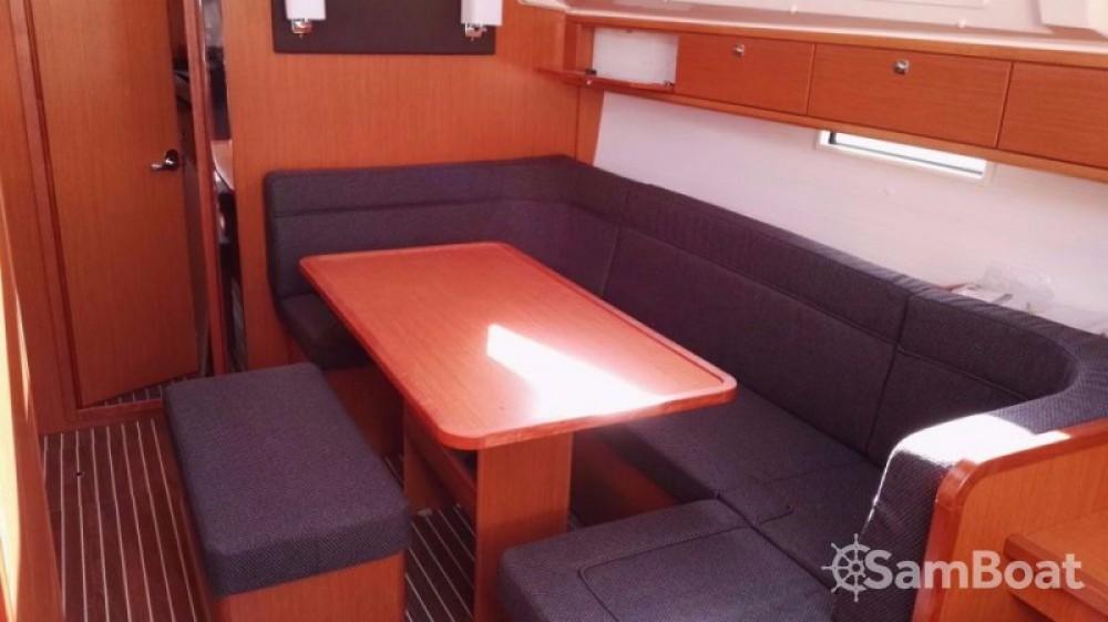 Rental yacht Jezera - Bavaria Cruiser 41 on SamBoat