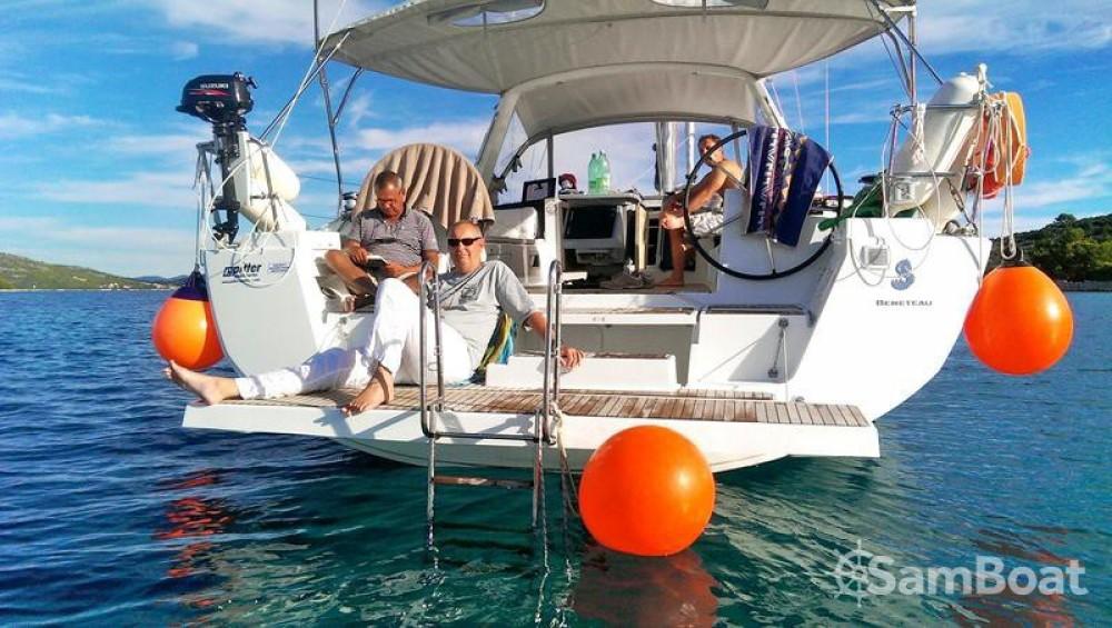 Alquiler Velero en Jezera - Bénéteau Oceanis 45