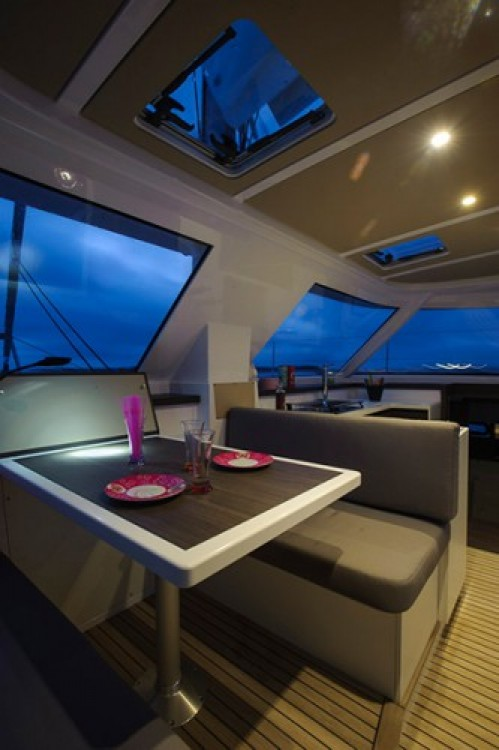 Rental Catamaran in Jezera - Nautitech Nautitech 40