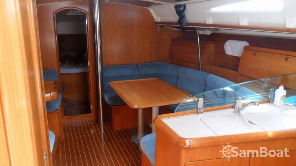 Jeanneau Sun Odyssey 40 between personal and professional Jezera