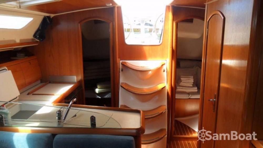 Boat rental Jeanneau Sun Odyssey 40 in Jezera on Samboat