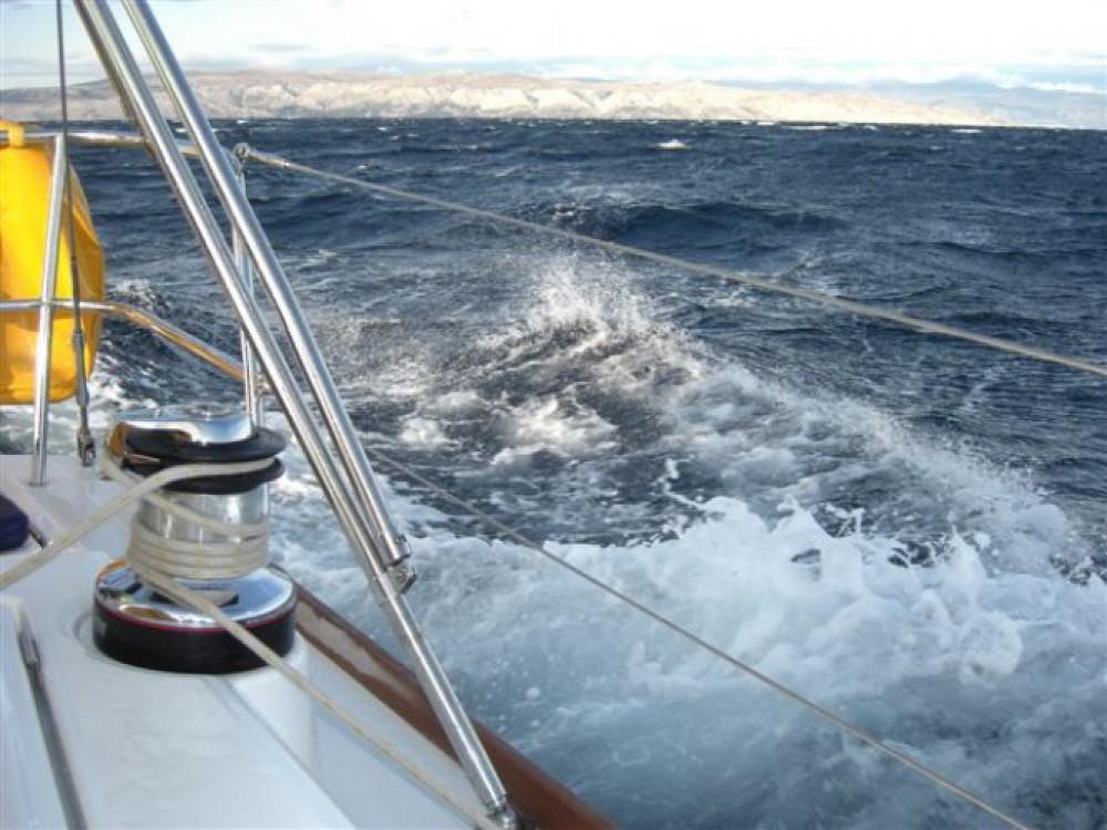 Rent a Bénéteau Oceanis 40 Marina Punat