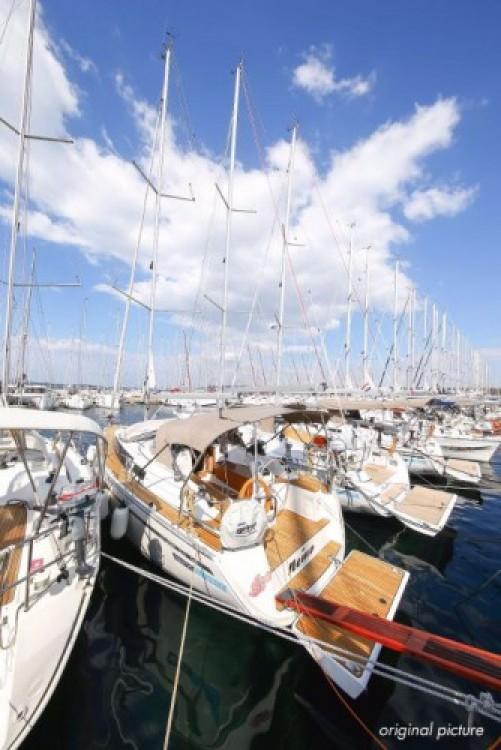 Rental yacht Marina Kornati - Bavaria Cruiser 33 on SamBoat