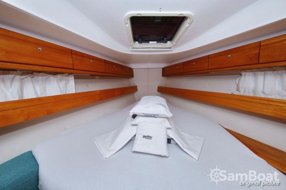 Rent a Bavaria Cruiser 39 Marina Kornati