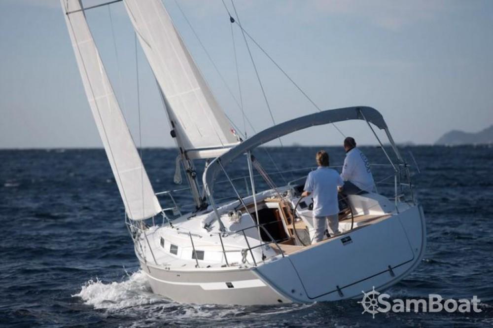 Rental Sailboat in Marina Kornati - Bavaria Cruiser 32