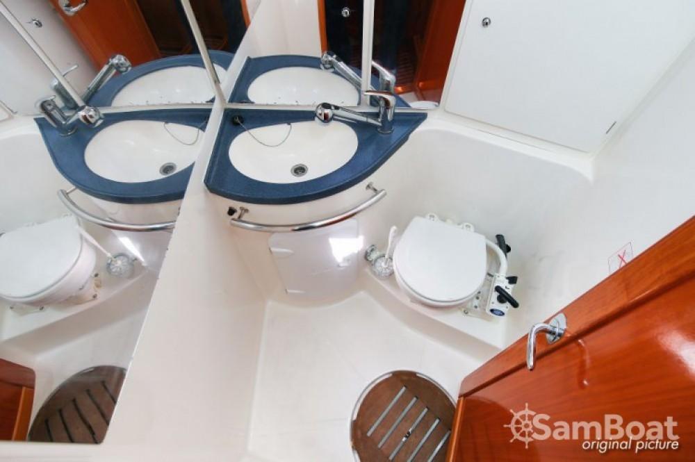 Alquiler Velero en Jezera - Bavaria Cruiser 39