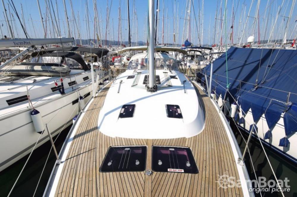 Rent a Bavaria Cruiser 45 Volos