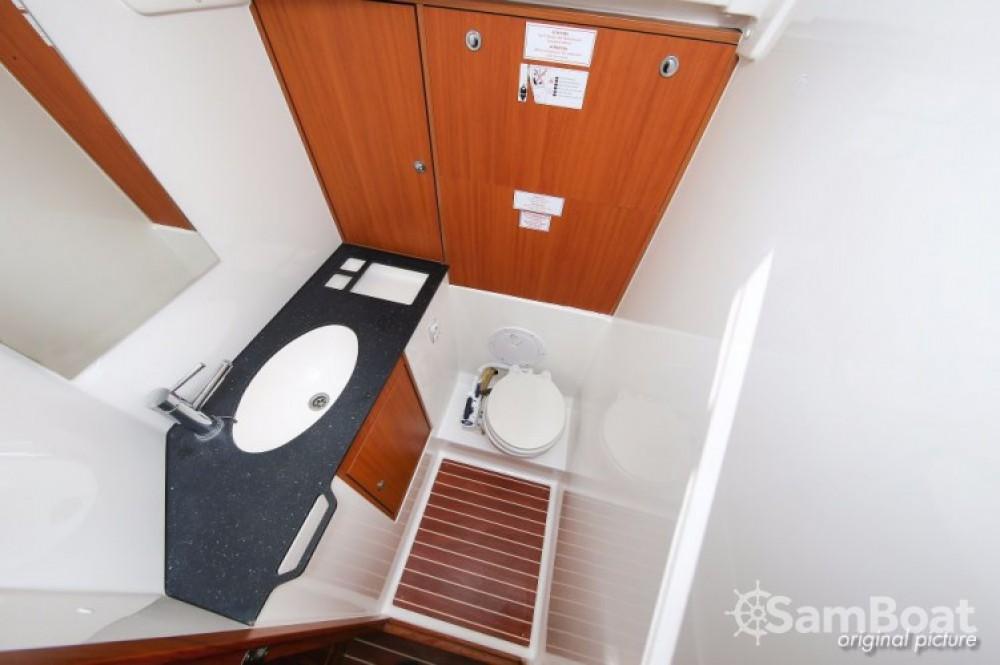 Bavaria Cruiser 45 entre particulares y profesional Croacia