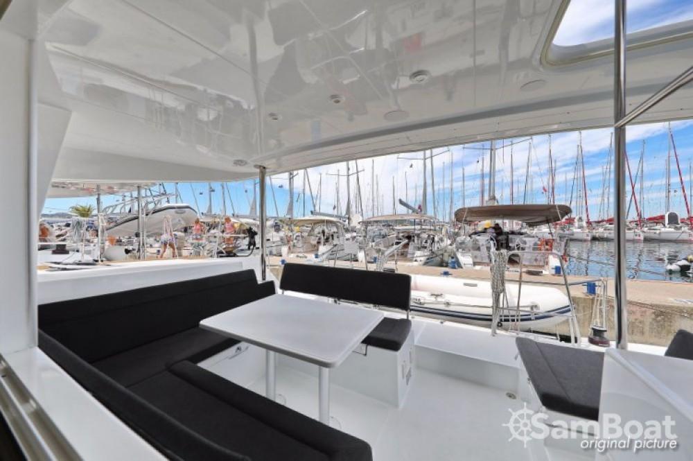 Rental Catamaran in Trogir - Lagoon Lagoon 400 S2