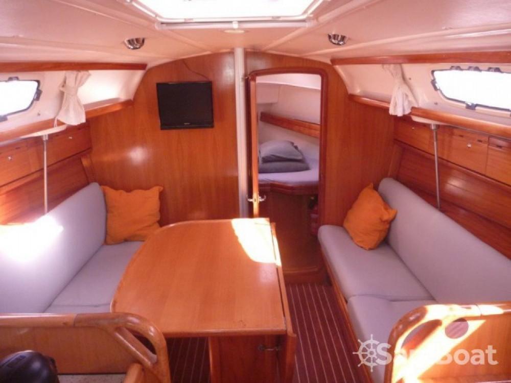 Rental yacht Šibenik - Bavaria Cruiser 30 on SamBoat