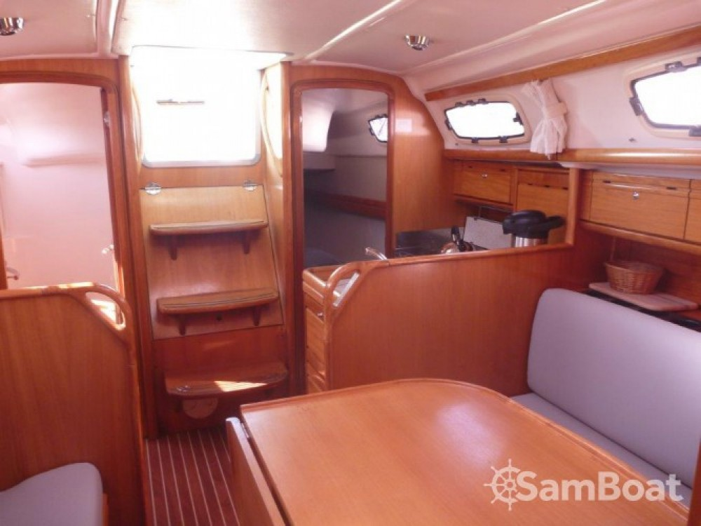 Boat rental Bavaria Cruiser 30 in Šibenik on Samboat