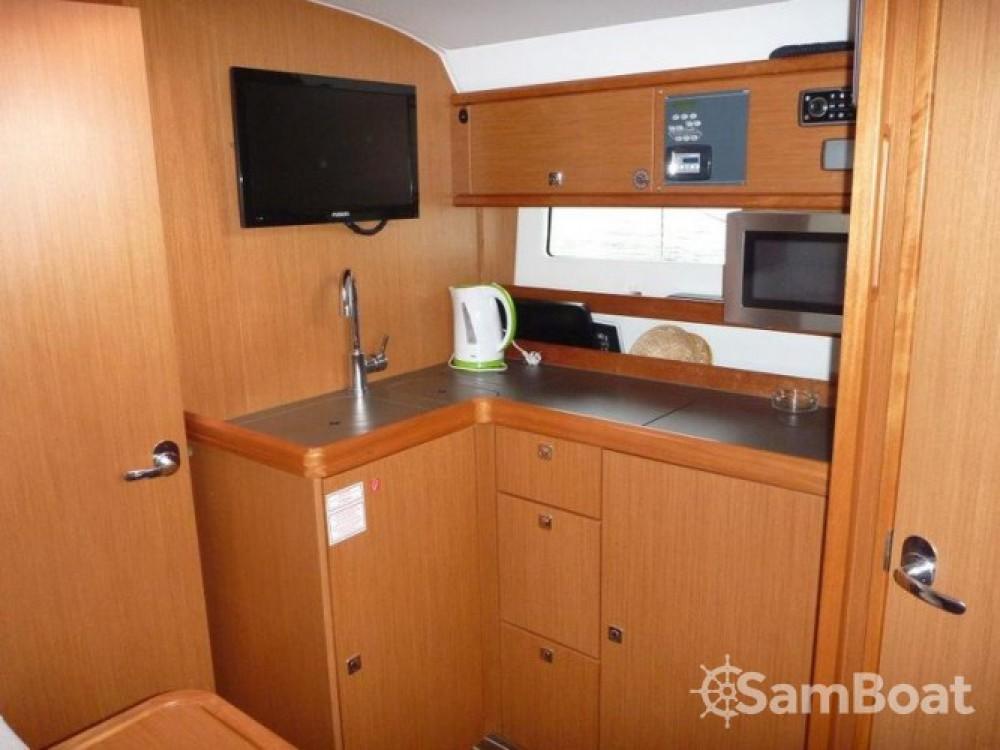Boat rental Bavaria Sport 35 HT in Šibenik on Samboat