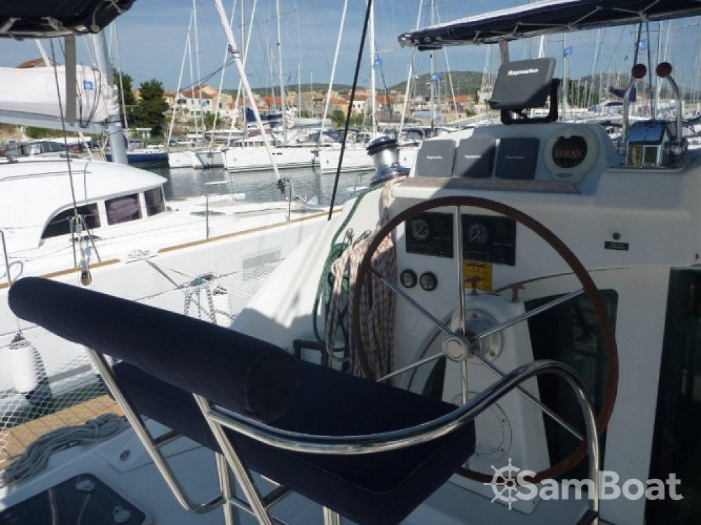 Rental Catamaran in Šibenik - Lagoon Lagoon 380