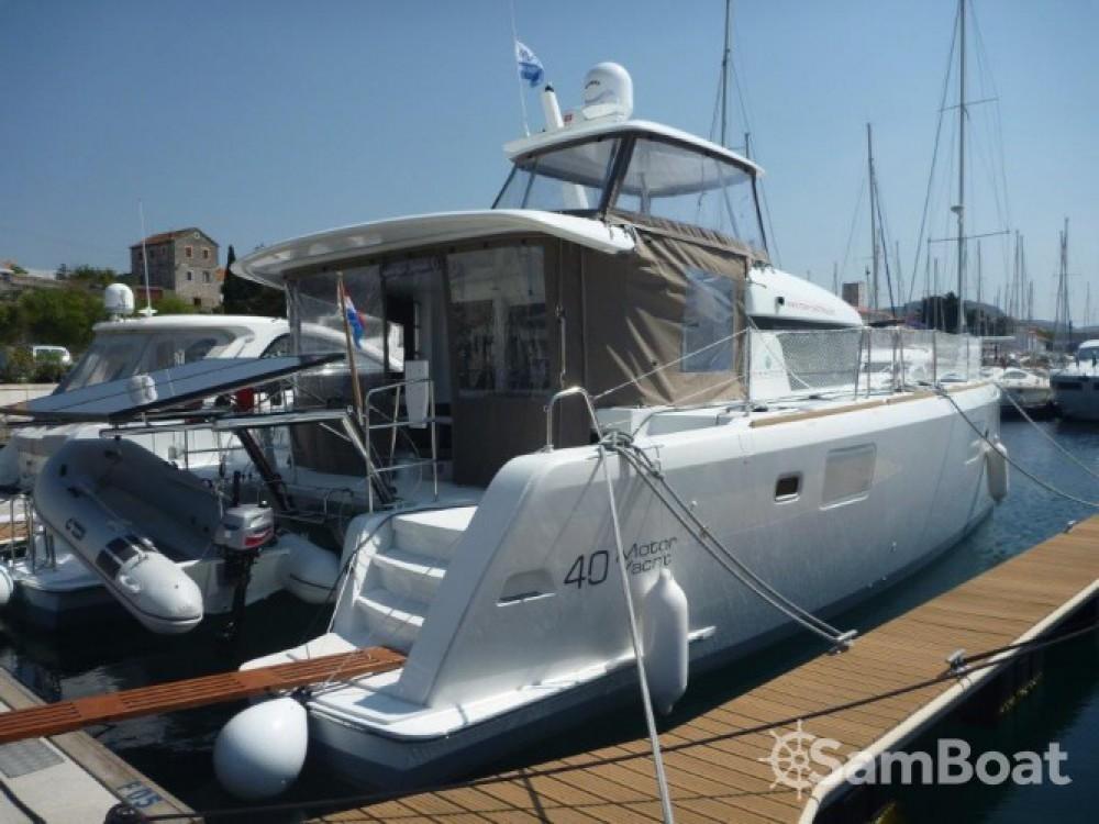 Rental Catamaran in Šibenik - Lagoon Lagoon 40 Motor Yacht