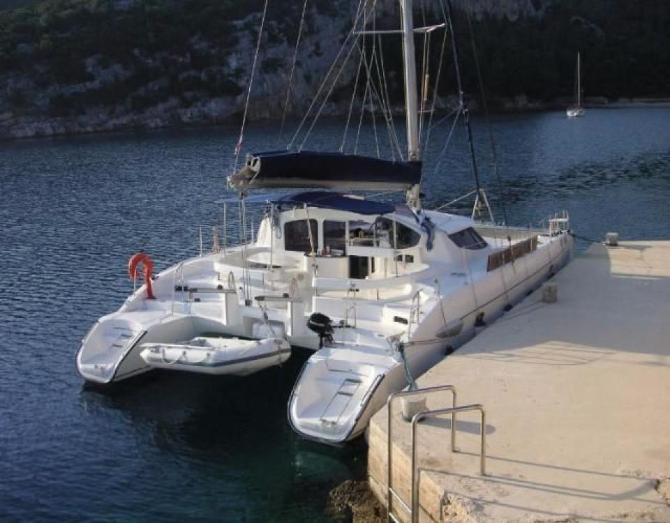 Boat rental Fountaine Pajot Lavezzi 40 in Pirovac on Samboat