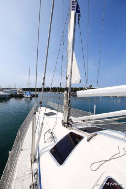 Rental Sailboat in Pula - Bavaria Bavaria 40 Vision