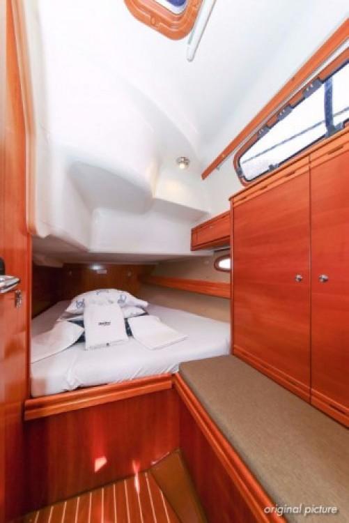 Boat rental Bavaria Cruiser 39 in Pula on Samboat