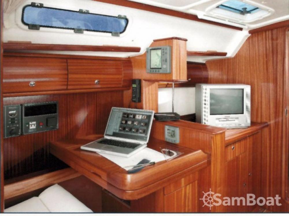 Boat rental Bavaria Bavaria 41 in Pula on Samboat
