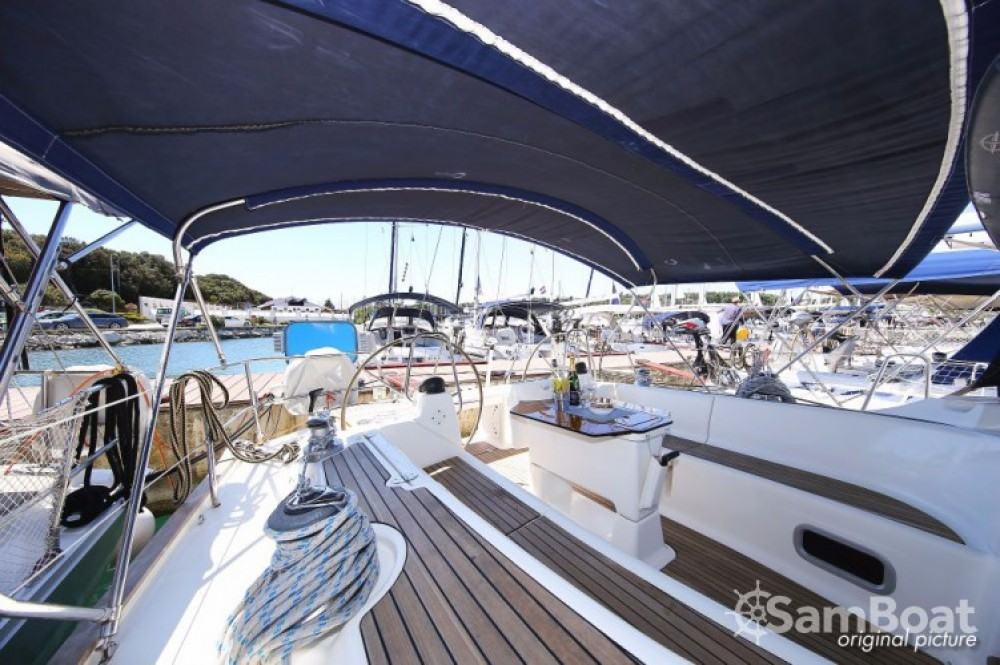 Rent a Bavaria Cruiser 46 Pula
