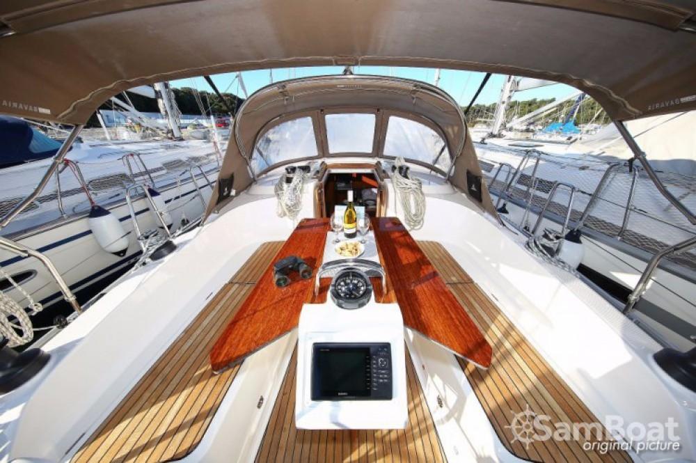 Rental yacht Pula - Bavaria Cruiser 37 on SamBoat