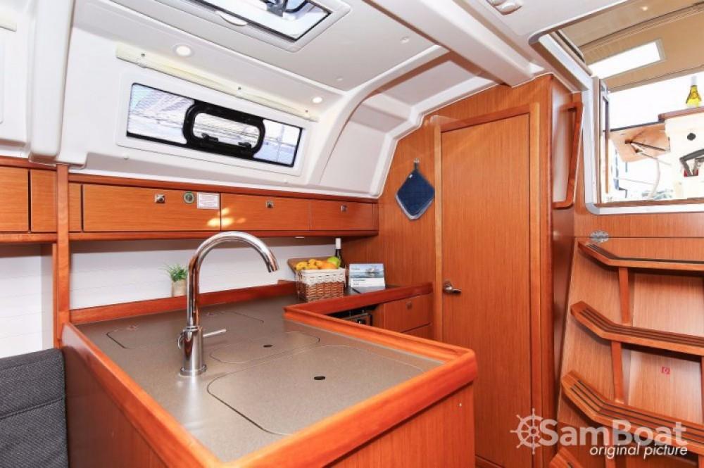 Boat rental Bavaria Cruiser 37 in Pula on Samboat