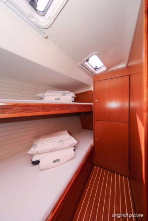 Rent a Bavaria Cruiser 51 Pula