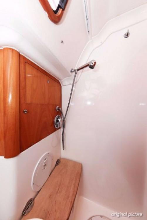 Rent a Bavaria Cruiser 50 Pula