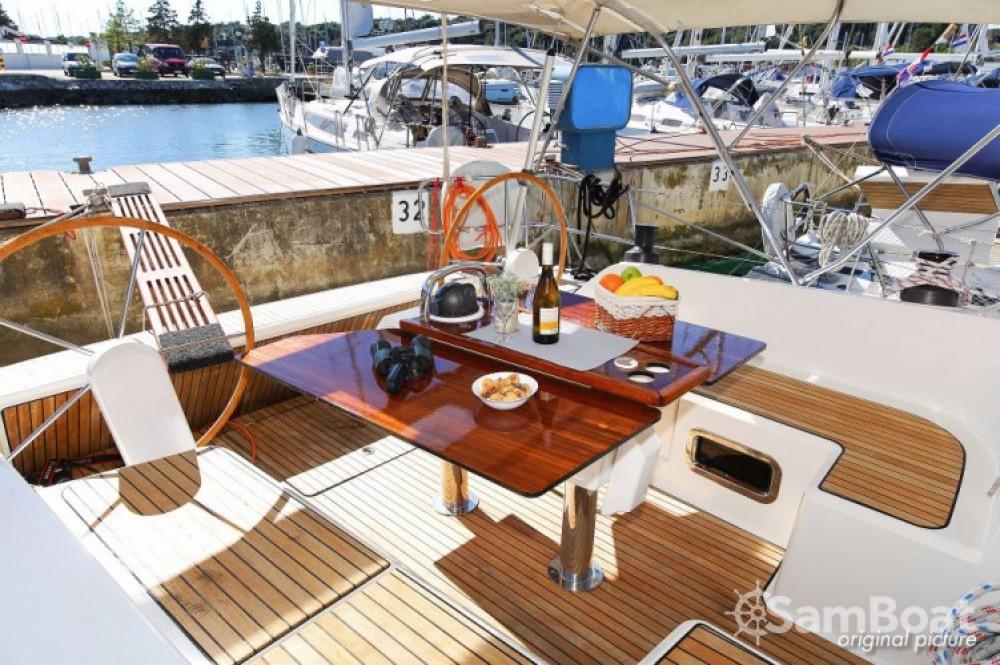Rental yacht Pula - Bavaria Cruiser 46 on SamBoat