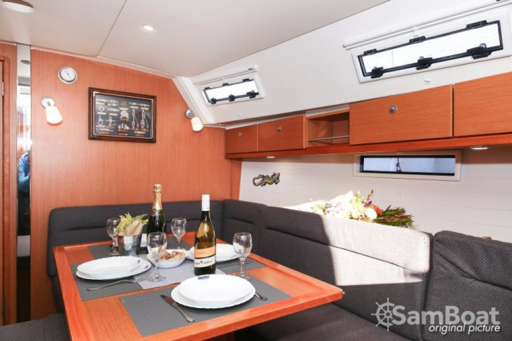 Boat rental Bavaria R40 in Pula on Samboat