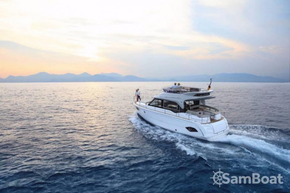 Hire Motor boat with or without skipper Bavaria Marina Kornati