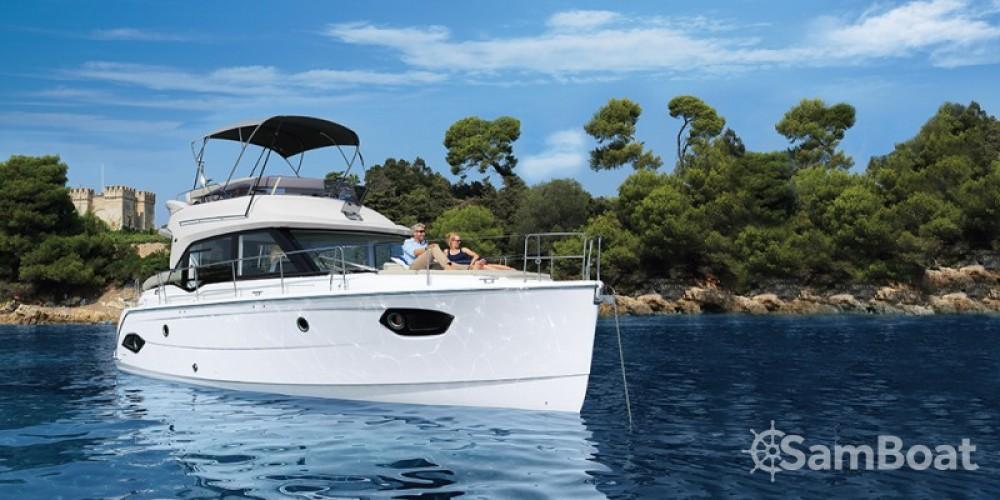 Rental yacht Pula - Bavaria E40 Fly on SamBoat