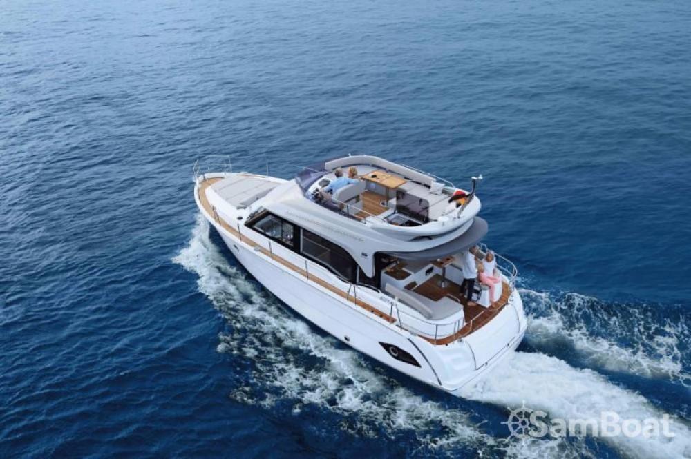 Rental Motor boat in Marina Kornati - Bavaria E40 Fly