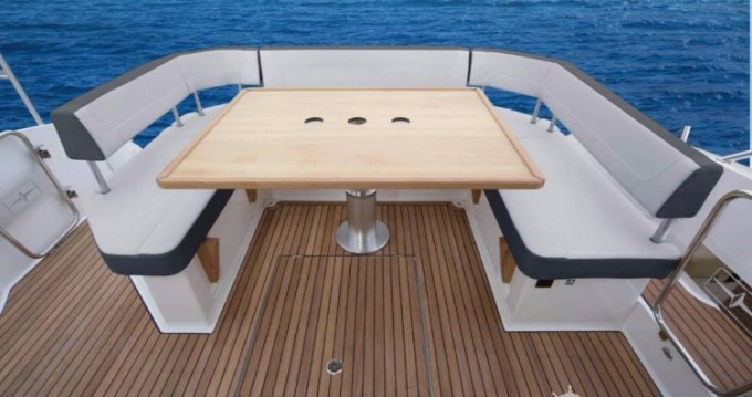 Hire Motor boat with or without skipper Bavaria Pula