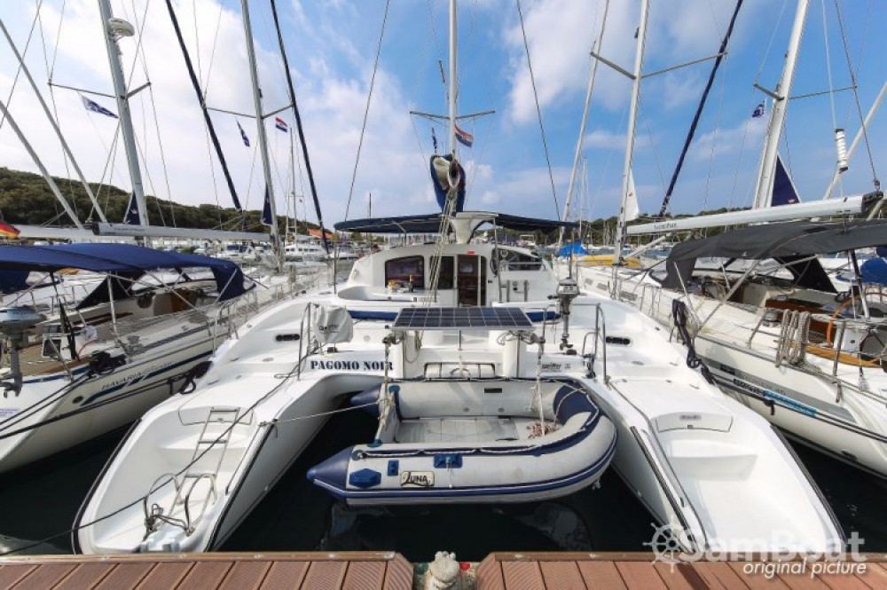 Boat rental Pula cheap Lavezzi 40