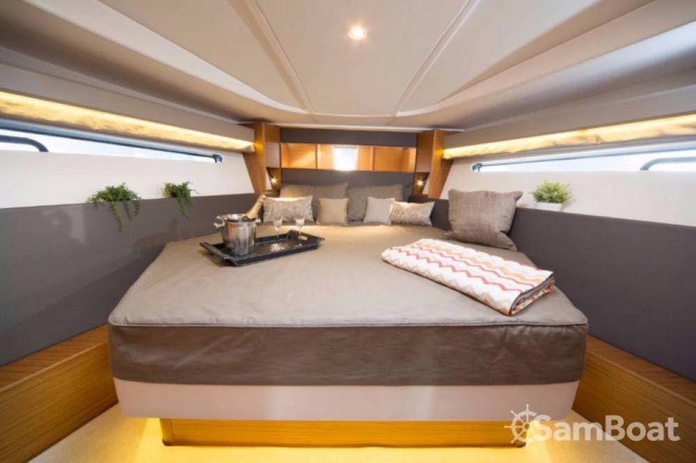 Boat rental Bavaria S 40 Open in Pula on Samboat