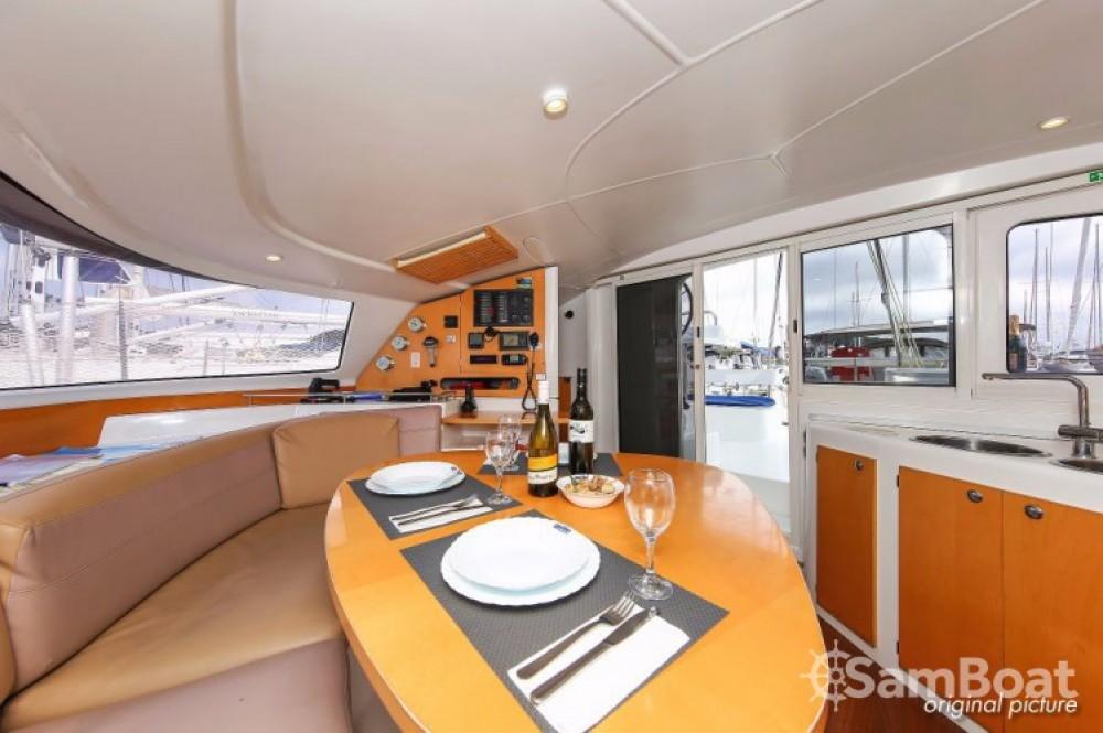 Rental yacht Pula - Fountaine Pajot Lavezzi 40 on SamBoat