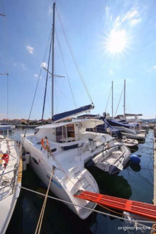 Boat rental Fountaine Pajot Lipari 41 in Pula on Samboat