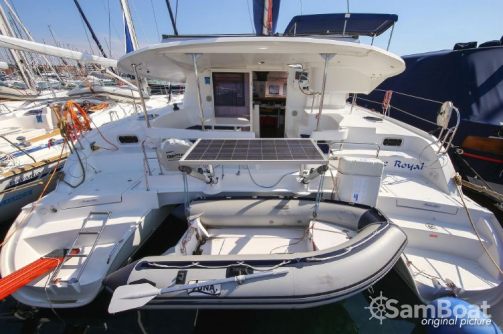 Hire Catamaran with or without skipper Fountaine Pajot Pula