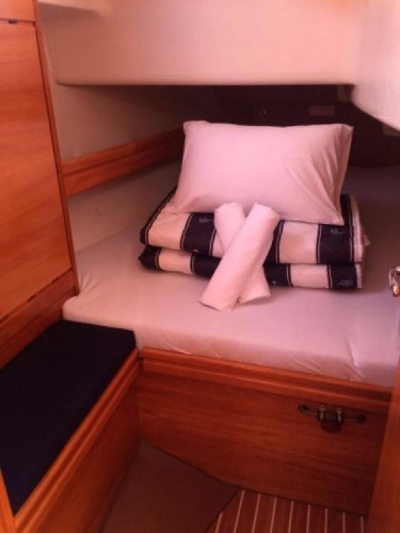 Rental yacht Marina Punat - Bavaria Cruiser 37 on SamBoat