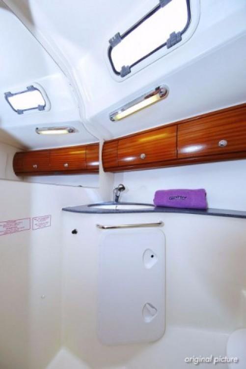 Boat rental Bavaria Bavaria 44 in Trogir on Samboat