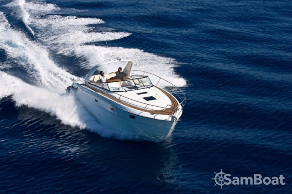 Motor boat for rent Terranoa/Olbia at the best price