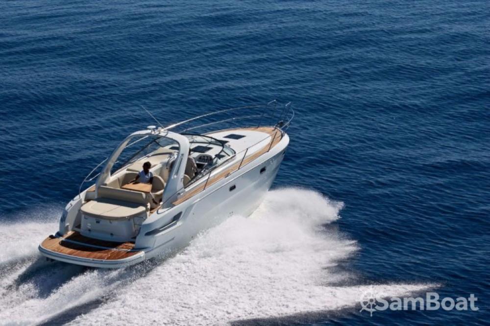 Rental Motor boat in Porto di Castellammare di Stabia - Bavaria Sport 34