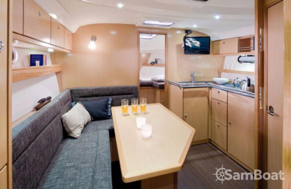 Motor boat for rent Porto di Castellammare di Stabia at the best price