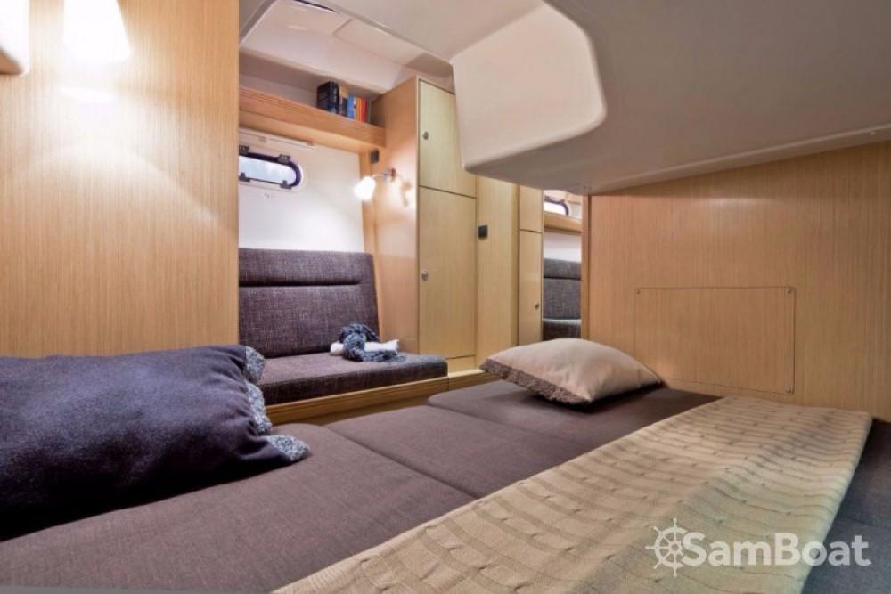 Rental yacht Porto di Castellammare di Stabia - Bavaria Sport 34 on SamBoat