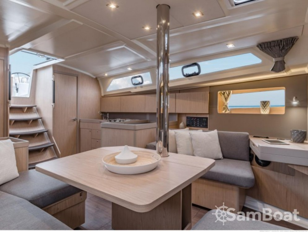 Rental Sailboat in Sukošan - Bénéteau Oceanis 41.1