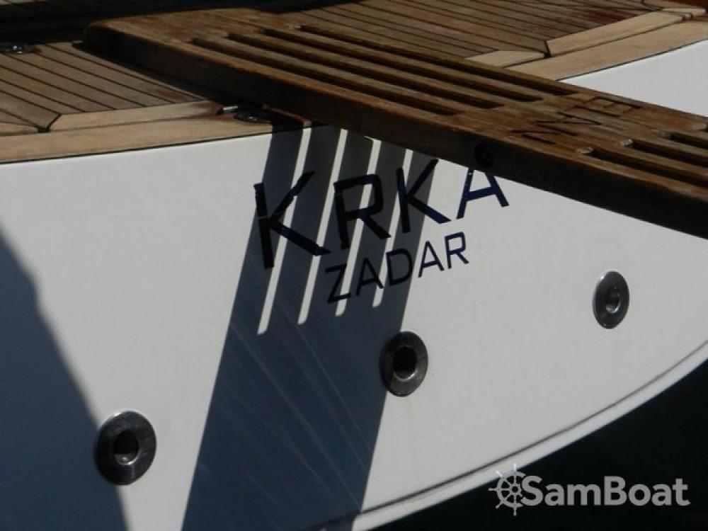 Rental Sailboat in Marina Kaštela - Elan Elan 410