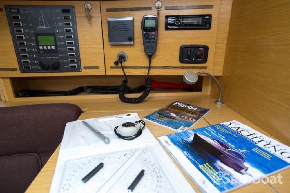 Rental Sailboat in Marina Kornati - Elan Elan 394 Impression