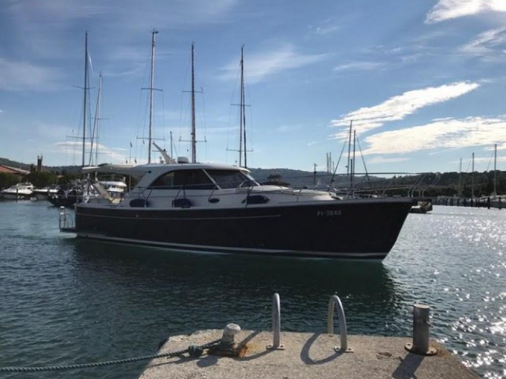 Boat rental Sas Vektor ADRIANA 44 in Marina Kornati on Samboat