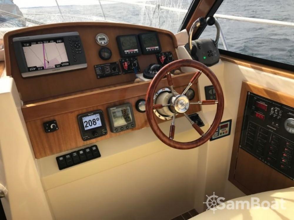 Rental Motor boat Sas Vektor with a permit